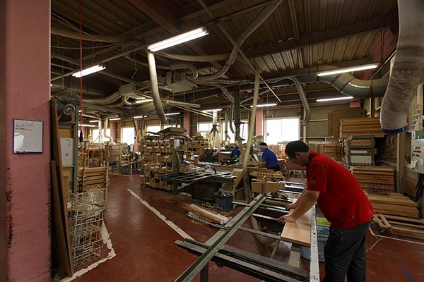 山崎のベビーベッド工場の内観