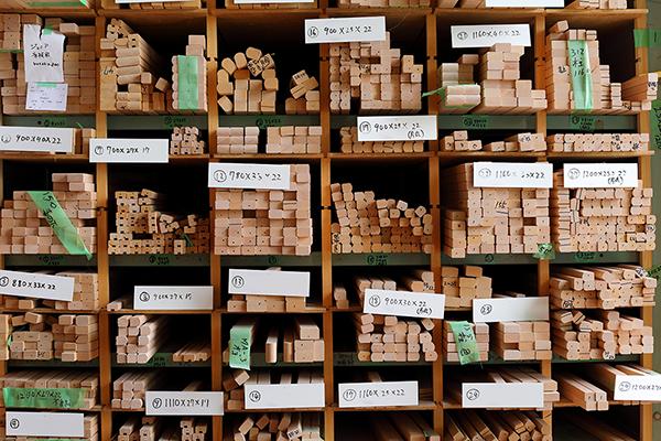 山崎のベビーベッド工場の材料