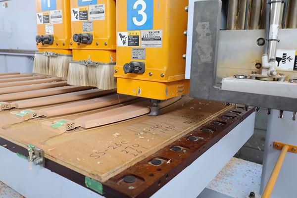 山崎のベビーベッド工場の機械